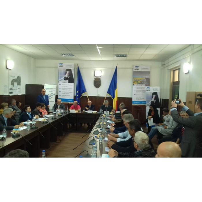 """FNGCIMM a sustinut cu succes prima conferinta din seria de seminarii regionale """"Parteneriate pentru solutii de finantare si garantare a proiectelor sustinute de Grupurile de Actiune Locala/ FLAG-uri"""""""